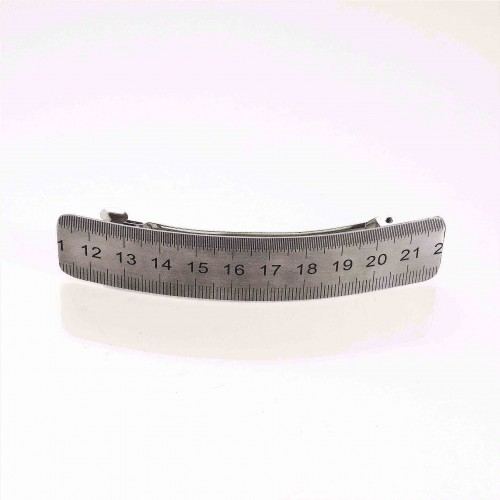 Measuring plate hair clamp