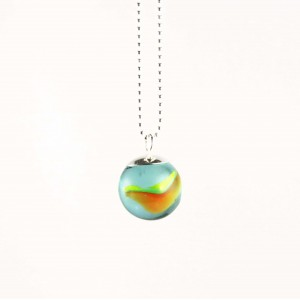 Marble necklace red green