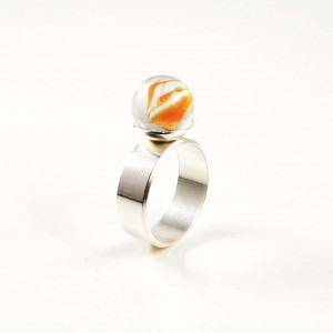Marble ring red