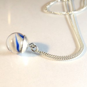 Marble necklace blue-white