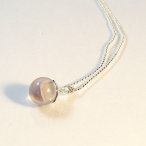 Marble necklace ivory